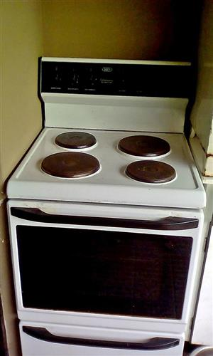 Selling a defy kitchenette stove 620