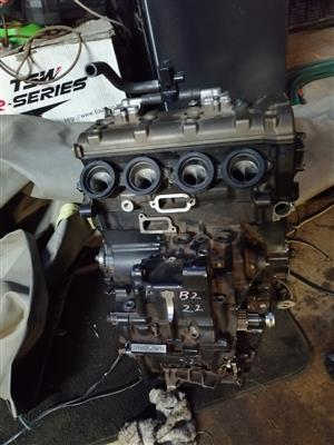 Kawasaki zx10 engine