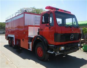 FIRE TRUCK MERC-BENZ 2632 1983