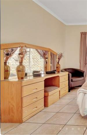 Oak bedroom suite