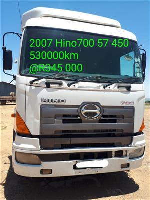 2007 Hino700 57 450