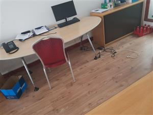 office chairs and desks for sale