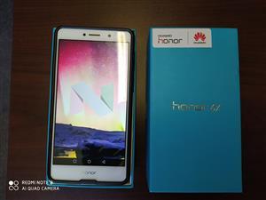 Huawei Honor 6x - R1,500
