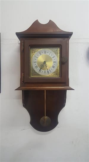 Old Clock   In Prestine Condition