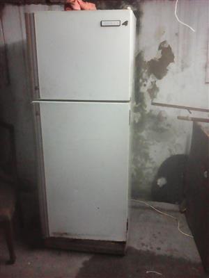 Lg 330l frost free metallic fridge