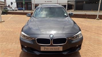 2013 BMW 3 Series 320i Exclusive