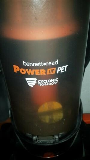 Bennett Read Powerup pet cyclone vacuum cleaner in excellent condition