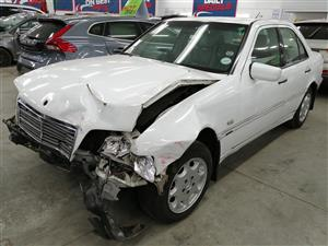 1999 Mercedes Benz Code 2