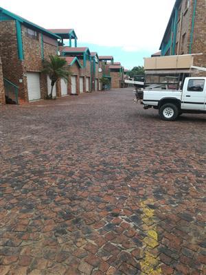 Two bedroom apartment in Moregloed Pretoria to let