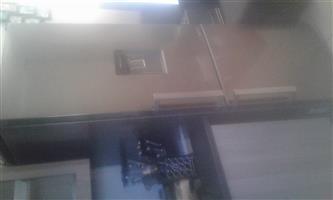 Samsung fridge with water dispenser for sale R5000 Urgent sale
