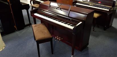 Piano – Yamaha!