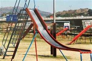 HEAVY DUTY PUBLIC PLAYGROUND EQUIPMENT