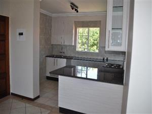 2  BEDROOM APARTMENT IN MORELETA PARK, PRETORIA EAST.