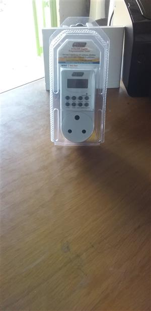 2nd 8 on/off digital programmable timer cheap!!