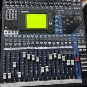 Yamaha O1v digital desk