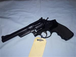Smith & Wesson .357mag revolver.