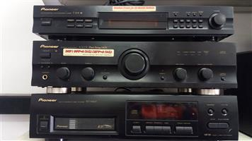 Pioneer Amplifier A-307R, CD player PD- M427 & Tuner F-208