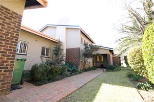 Large, Family Home For Sale in Grimbeeck Park, Potchefstroom