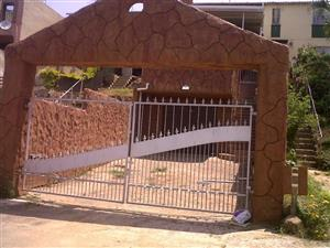 2 Bedroom duplex with Rock finishes in Northcroft.
