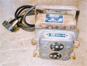 220v - 32v transformer with outlet plugs.