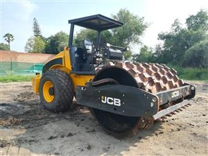 2017 JCB ROLLER WITH COMPACTION & PADFOOT SHELLS 942 hours