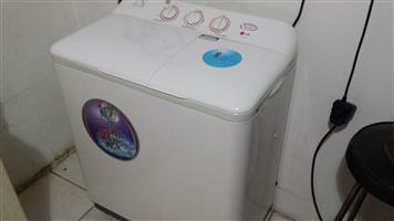 LG Twin Tub Washing Machine