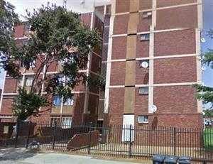 One and a half bedroom flat in Pretoria West near Show grounds