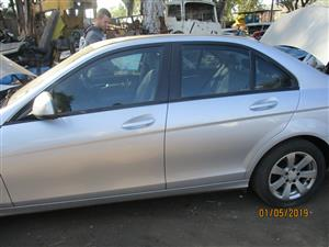 MERCEDES BENZ C220 STRIPPING FOR SPARES
