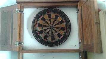 Dartboard kas met Dartboard