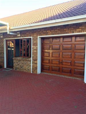 Veilige Ruim 1 Slaap Kamer Woonstel te huur in Wonderboom R5000 pm