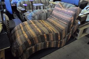 2x 1 Seater Curved Sofas