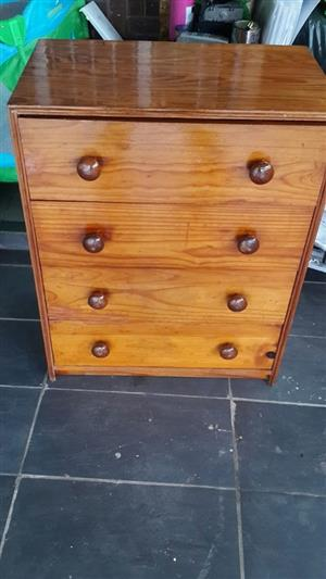 Chestdrawers solid wood