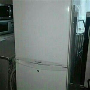 360litres LG Multi air flow fridge freezer