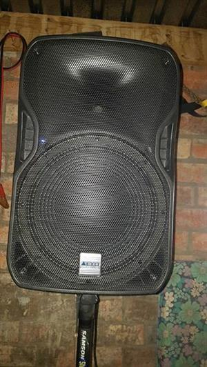 """Active speakers 15"""" for sale"""