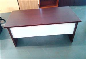 Impact desk Alice mahogany