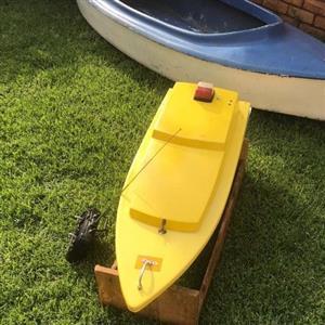 Bait boat plus free canoe