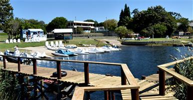 BAY WATER Sedgefield (2 x 6 Sleeper Units) for R18 500 each