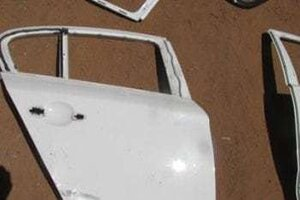 2008 BMW 1 SERIES RIGHT REAR DOOR SHELL – USED(CR)