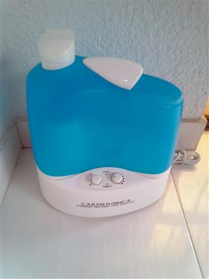 Humidifier Ultrasonic Cold and Warm Steam. As good as new. I am in Orange Grove.