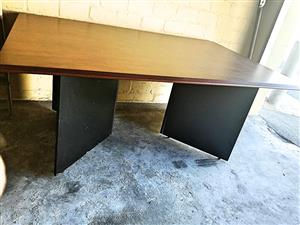 Boardroom table / very large desk