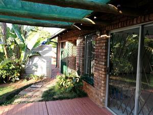 2 Bedroom Townhouse To Let in Elarduspark