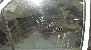 1995 toyota corolla right rear door glass