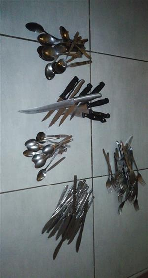 HUGE COLLECTION OF CUTLERY