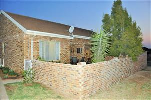 For Sale: 2 Bedroom Townhouse In Kirkness Avenue, Centurion.