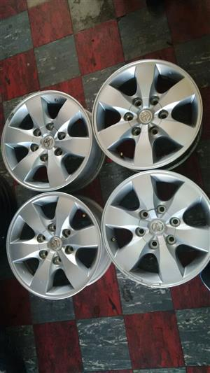 Toyota hiluc/fortuner 16'' silver oem original set of 4xmags r3799