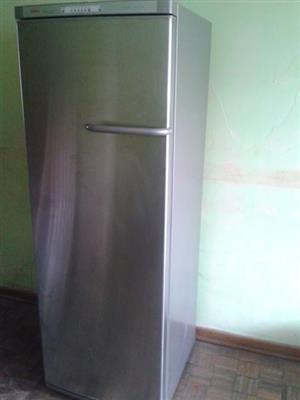 Bosch intelligent all refrigerator 39 in great condition for sale