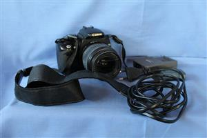 Canon 350D with 2 x batteries, 4 x Compact Flash Cards, Charger and bag