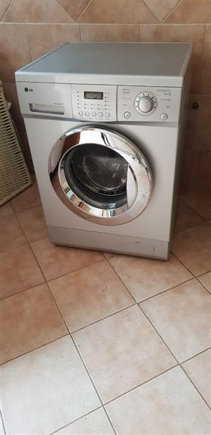 LG Washing machine for sale at a giveaway price