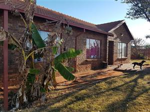 LARGE 3 BEDROOM HOUSE