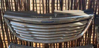 Chrysler Voyager grille